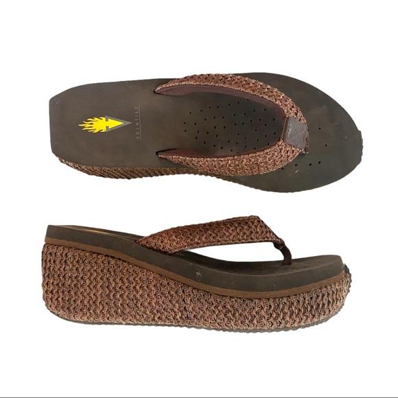 🍋 Volatile Island Woven Wedge Heel Flip Flops 8
